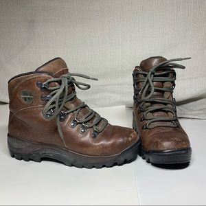 Merrell Summit Dark Brown Boots Size 6.5